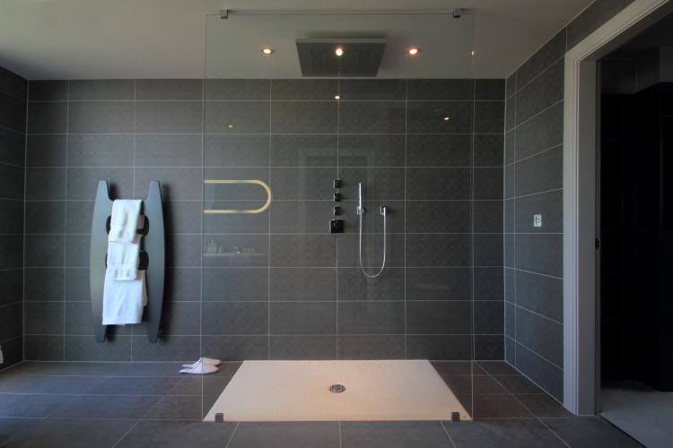 Bathroom lighting 3