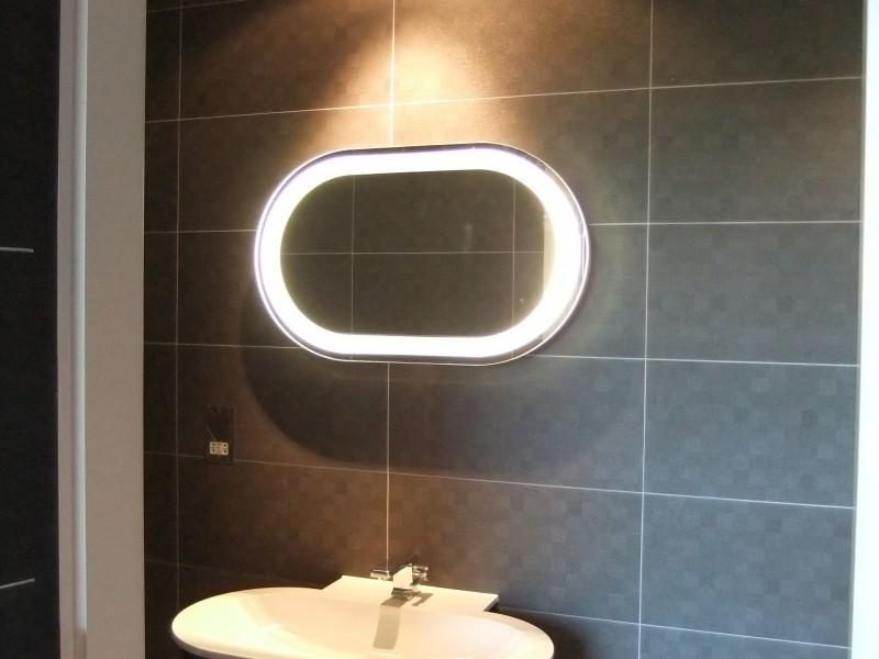 Bathroom lighting 4